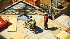 Cicomaberuházások és piramisépítések helyett munkahelyvédelmi alapot!